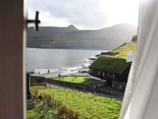 Faroe Islands Cottage by the Ocean, Funningur