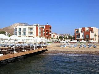 230-Luxury Flats Private Beach, Kadikale