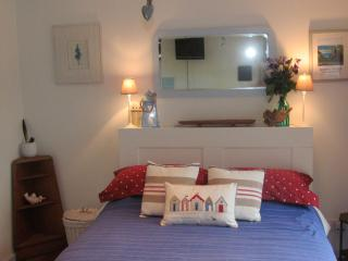 Ty Cert/Cart House (B&B available), Rhoscolyn