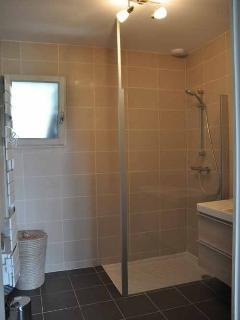 Gite 'au fil de nos rêves douche italienne salle d'eau