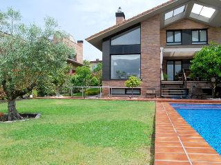 villa SOFIA::Private pool, garden, parking. 8p, San Sebastián - Donostia