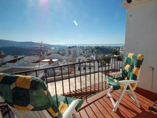 Charming Andalucian House 5 min beach drive perfect for groups, solos & families