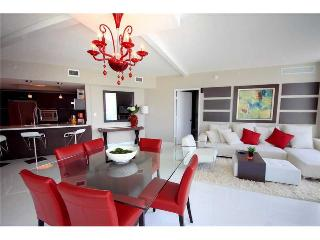 ST. TROPEZ 3 BEDROOM APARTMENT  |  SUNNY ISLES
