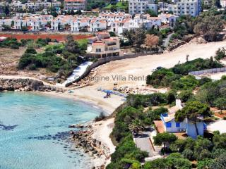 Villa Miria, 3 beds, 100m from a sandy beach