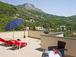 Gorgeous studio apartment on Sorrento Coast, Vico Equense
