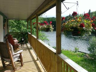 The Riverfalls Cottage, Lac-des-Plages