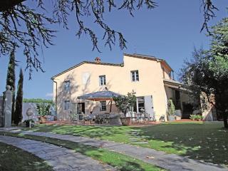 Holiday Farmhouse in the heart of Tuscany, Pistoia