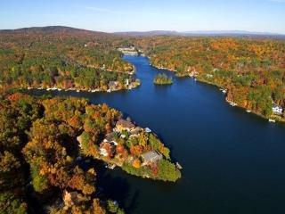HIGH POINTE VILLA OnThe Lake 1 Hr NW of Atlanta !, Waleska