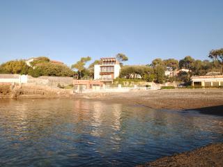 Villa Angolino- trilocale piano terra con giardino
