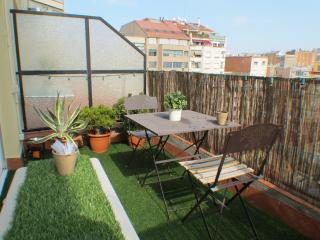 Barcelona4Seasons-Modern and elegant with terrace