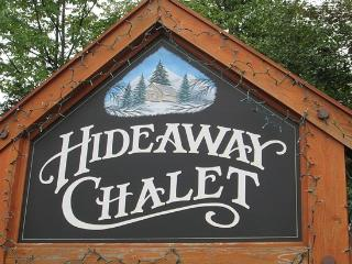 Hideaway Chalet-Sleeps 2-24. Outdoor Hot Tub, Killington