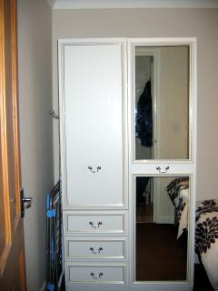 Front bedroom - Wardrobe