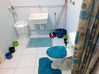 Sandy Toilet/Washroom