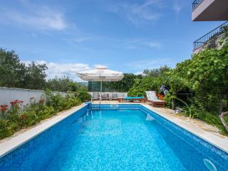 Trogir area,luxury 4**** apart.Big-Villa with pool
