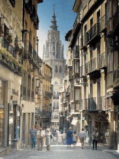 Toledo Narrow streets (34 mi)