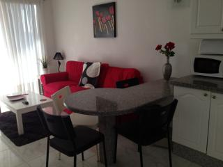 Fully refurbished 2 bed 2 bath, Los Cristianos