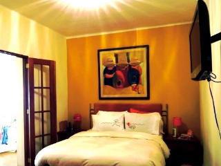 Petite Apartment 6