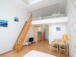 LOFT5 @Hongdae Station / up to 6 guests, Seoul