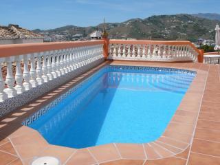 Villa Sol, Vista mar, Pool, garaje, WiFi gratis