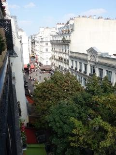 La vue depuis l'appartement - The view from the apartment