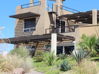 New SandyBeach - 3 bdr Beachhouse on pool/Jacuzzi!, Puerto Penasco