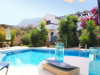 1 bed, 2 storey house in Kokkino Chorio, Crete, Almyrida