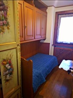 first single bedrooms (two beds)