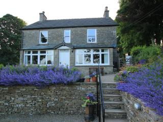 Brownber House - spacious farmhouse with superb games room and wonderful views