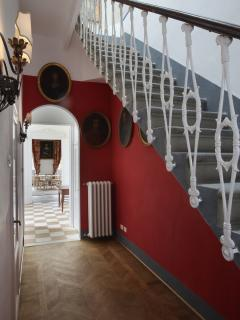 the entrance with internal staircase