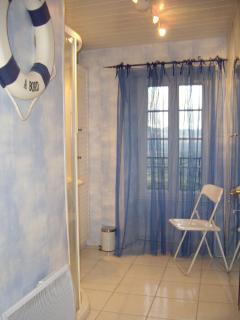 salle de bain lilas