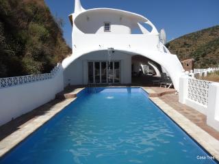 Unique Mountain Villa with Sea and Mountain Views