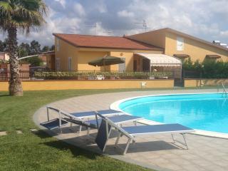 Villa con piscina, Scalea
