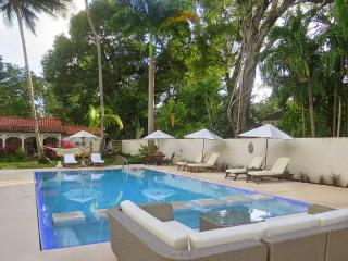 5 bed Luxury family Villa in St James nr Holetown