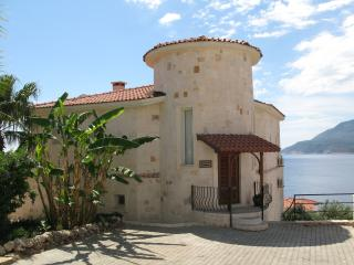 Beautiful 3 bed villa with private infinity pool, Kas