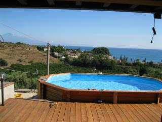 "Holiday "" Villa Panorama""  near the sea., Brucoli"