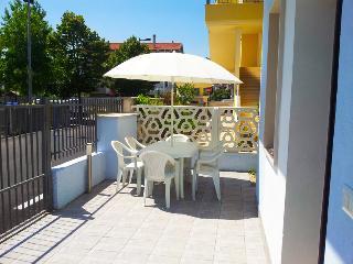 appartamento trilocale in villa al piano terra, Montesilvano