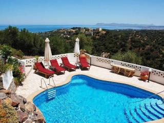 Villa Hannah - Pool and Sea View