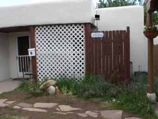 Downtown Magical Cozy Cottage, Santa Fe