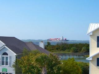 Officers View Ocean View Home *No Hidden Fees*, Tybee Island