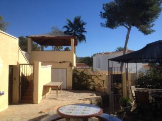 Access to the pool is via a lockable gate. Ideal for parents´ peace of mind