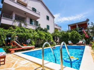 Trogir area,luxury 4****  Red apart-Vila with pool