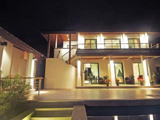 Beautiful villa in the tropics