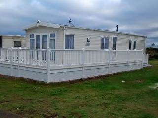 Barron Sands, Luxury 2 bed caravan at Silver Sands, Lossiemouth