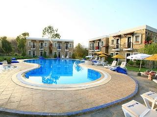 220 - Bitez Beach 2 Bedroomed With Shared Pool
