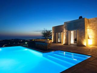 Minimal Perfection, Mykonos-Stad