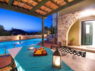 Villa Panos - 467, Stalos
