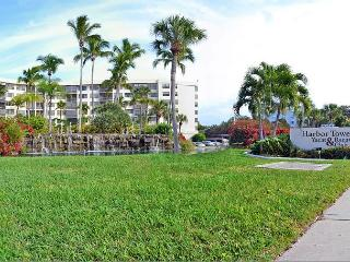 Harbor Towers Siesta Key Vacation Rental w/ Pool and Beach Access