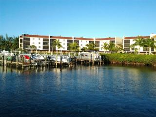 Hickory  Harbour Condominiums, Bonita Springs