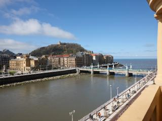 Ibaia Apartment by FeelFree Rentals, San Sebastián - Donostia