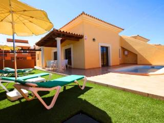 Villa or duplex with private swimming-pool, Corralejo